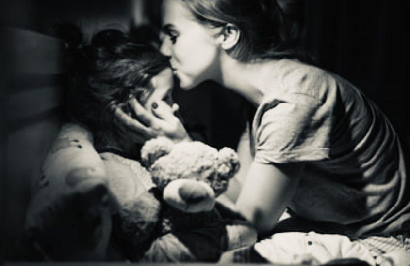 Te strâng în brațe și-mi uit toate greșelile