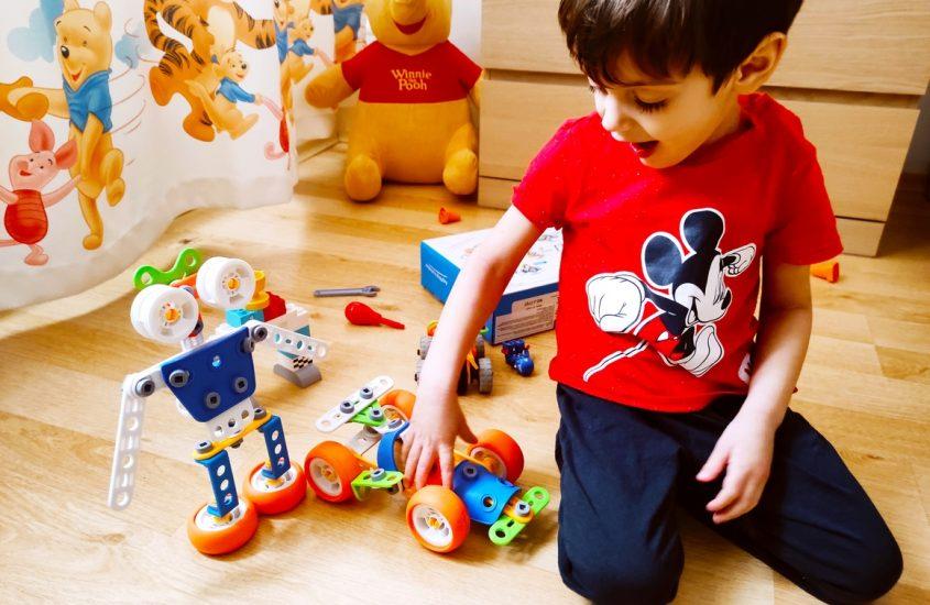 Mami, te joci cu mine? – jucăriile care ne aduc împreună (P)